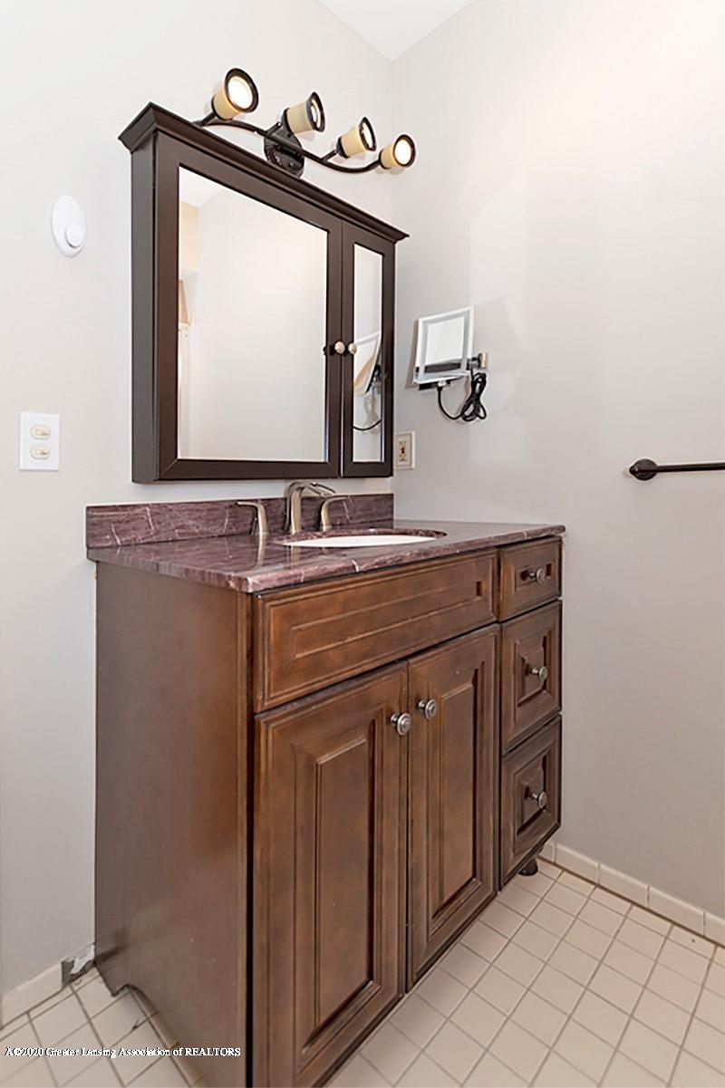 9205 Warner Rd - Warner master bath - 29