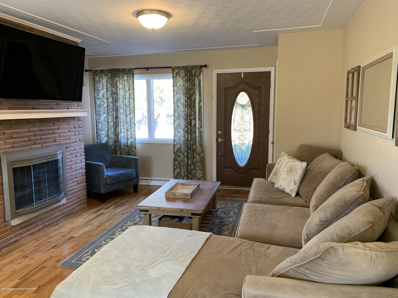 4597 Marlborough Rd - Living Room - 2