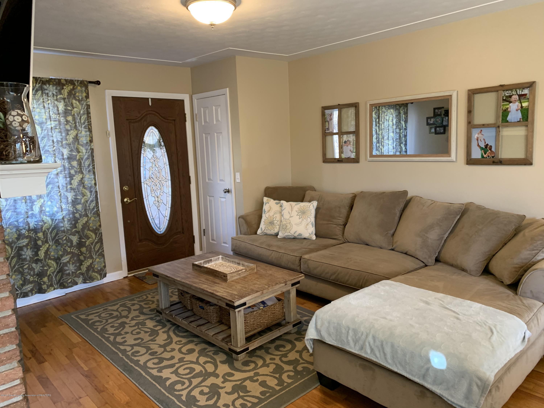 4597 Marlborough Rd - Living Room - 3