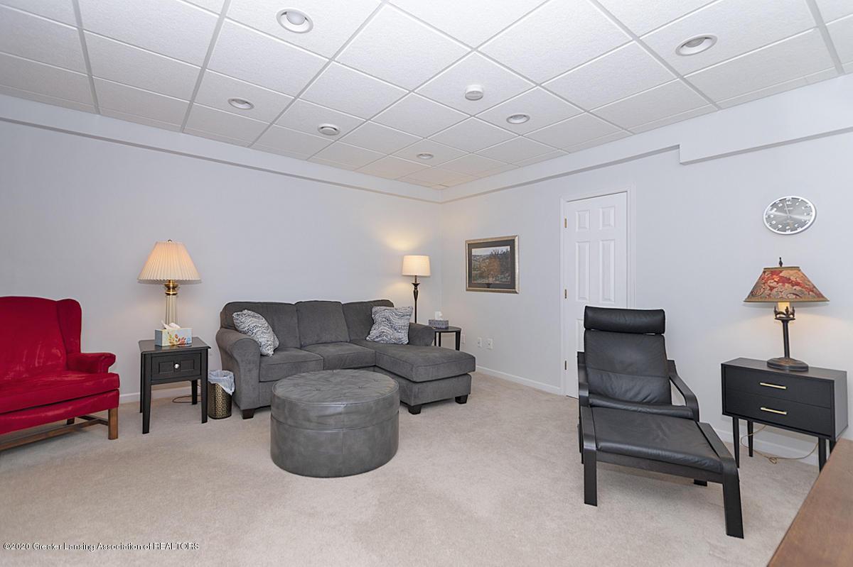 696 Phoebe Ln - Family room lower level - 15