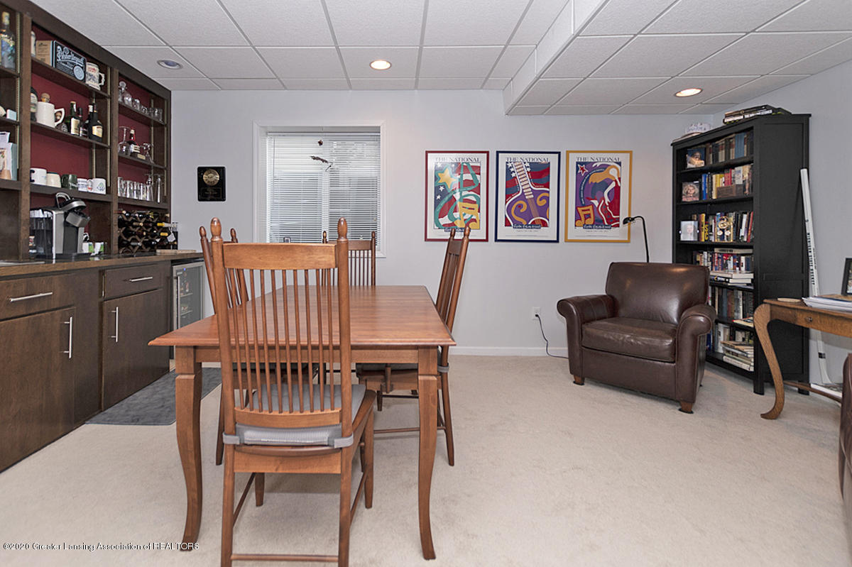 696 Phoebe Ln - Rec Room with wet bar - 17