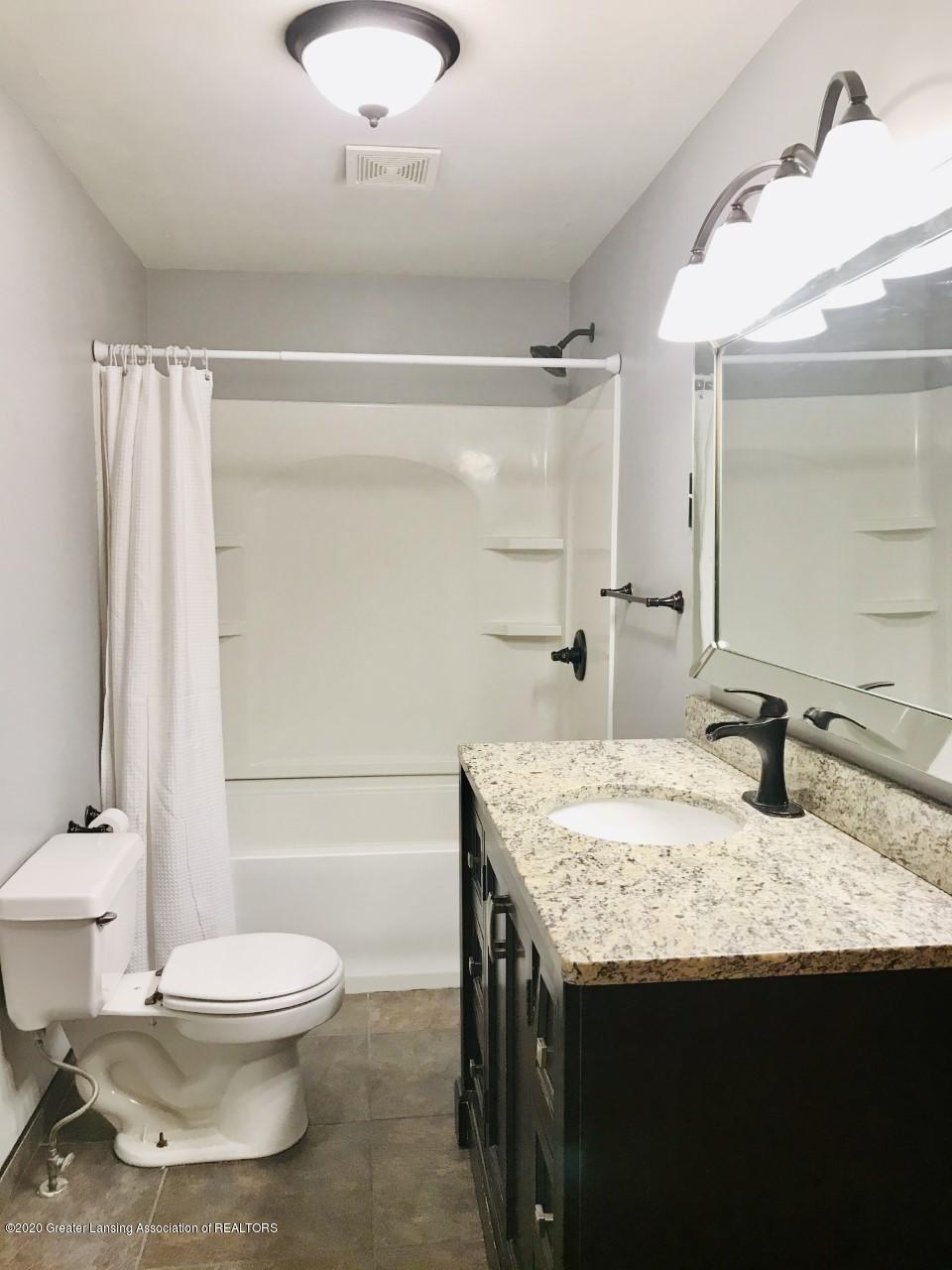 1011 W Silvers Rd - Bathroom 1 - 10