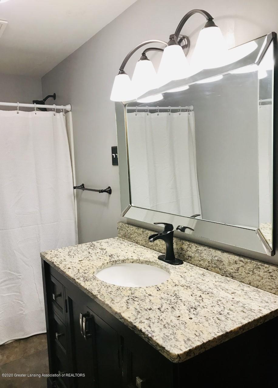 1011 W Silvers Rd - Bathroom 3 - 12