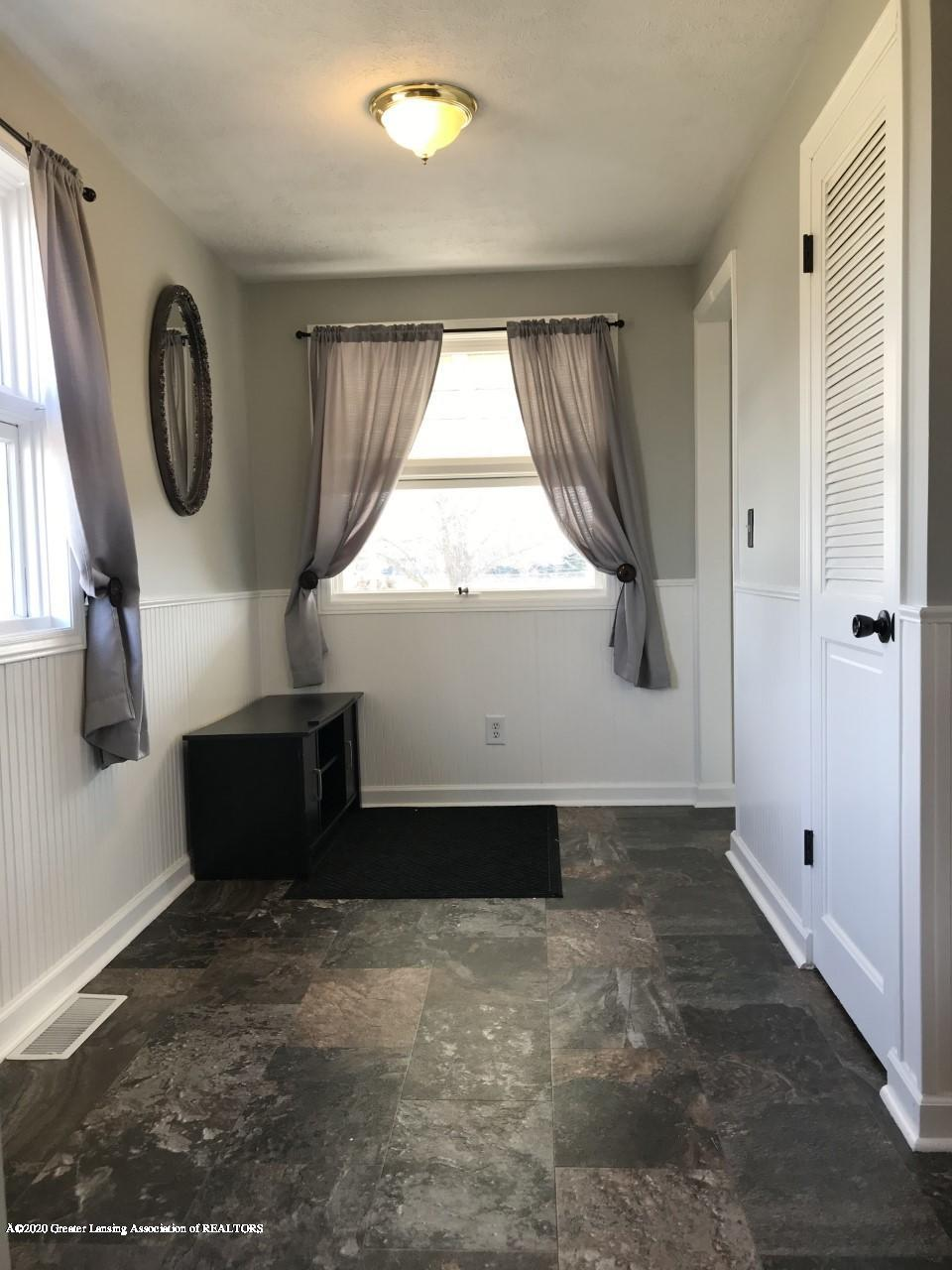 1011 W Silvers Rd - Entry Way 2 - 7