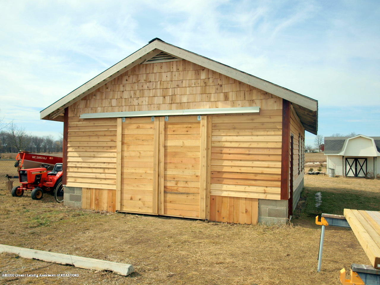 1011 W Silvers Rd - Barn - 28