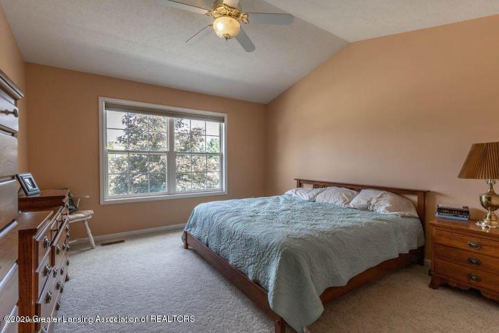 3853 Bush Gardens Ln - Master bedroom - 18