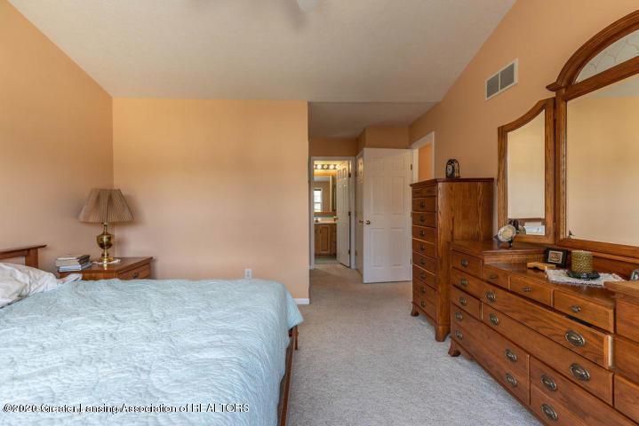 3853 Bush Gardens Ln - Master bedroom 2 - 19