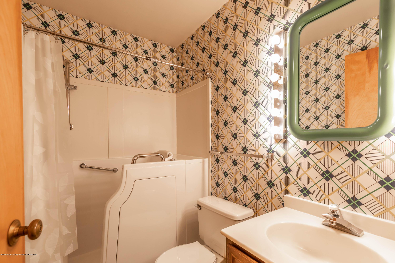 2698 Roseland Ave - Bathroom - 21