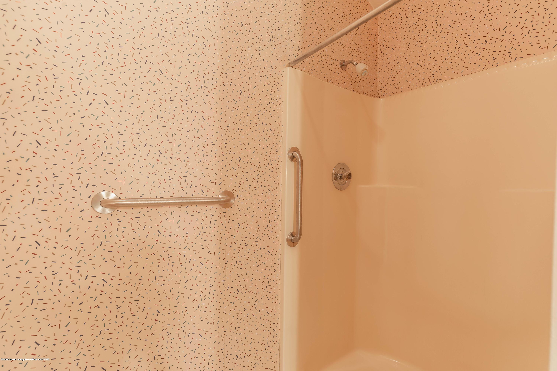 2698 Roseland Ave - Bathroom - 18