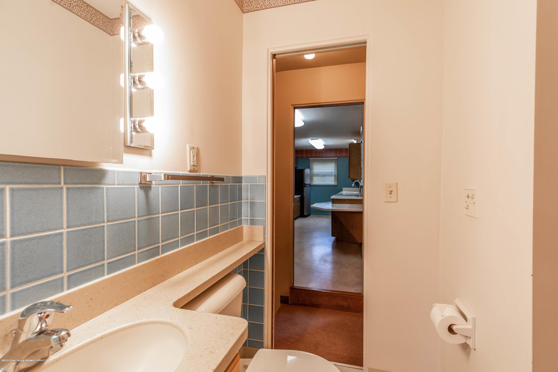 2698 Roseland Ave - Bathroom - 16