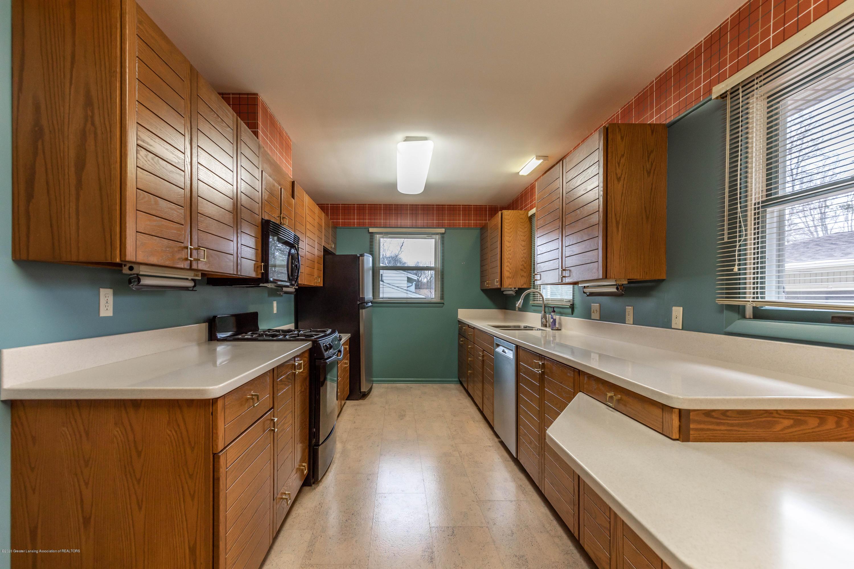 2698 Roseland Ave - Kitchen - 6