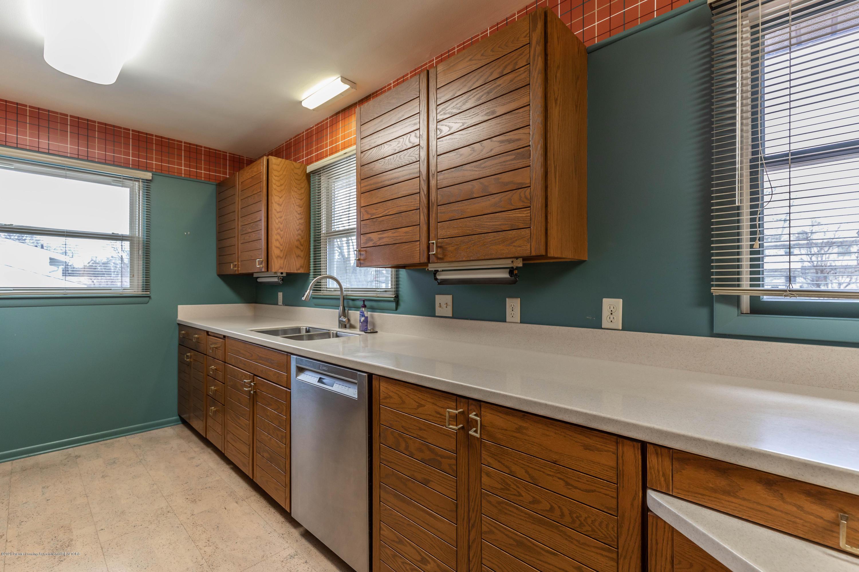 2698 Roseland Ave - Kitchen - 5