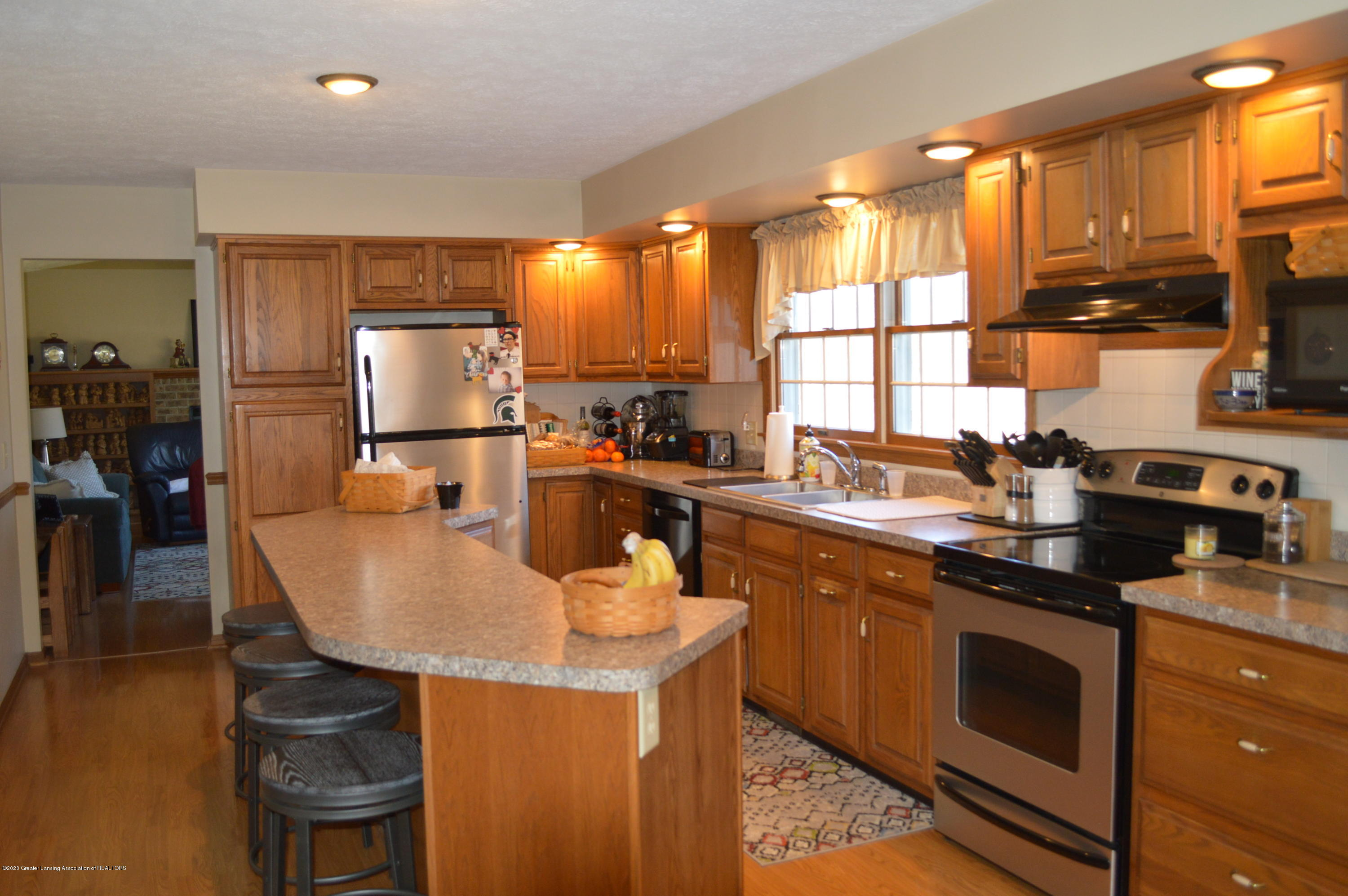 7021 E Howe Rd - Kitchen - 9