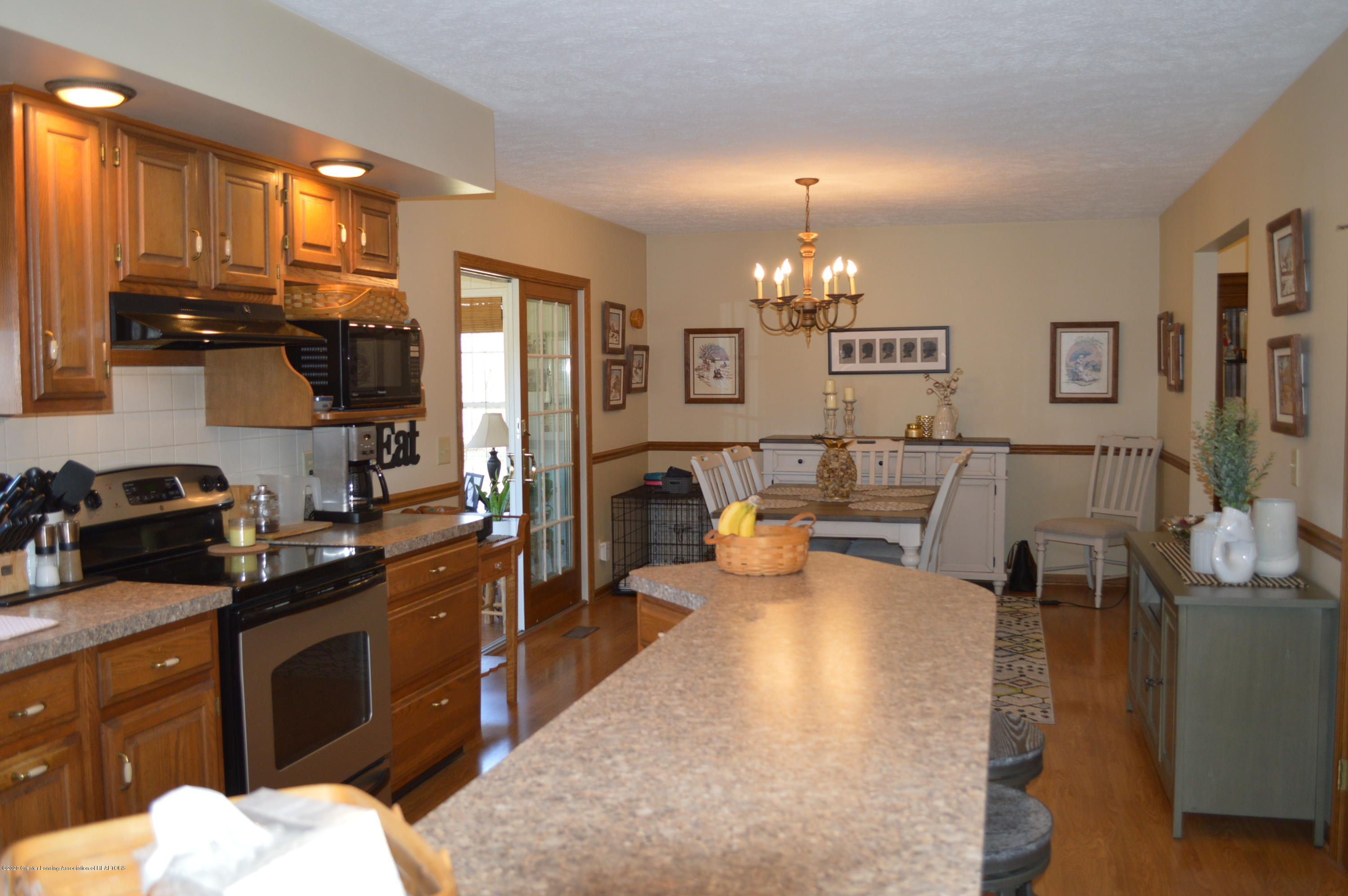 7021 E Howe Rd - Kitchen - 10