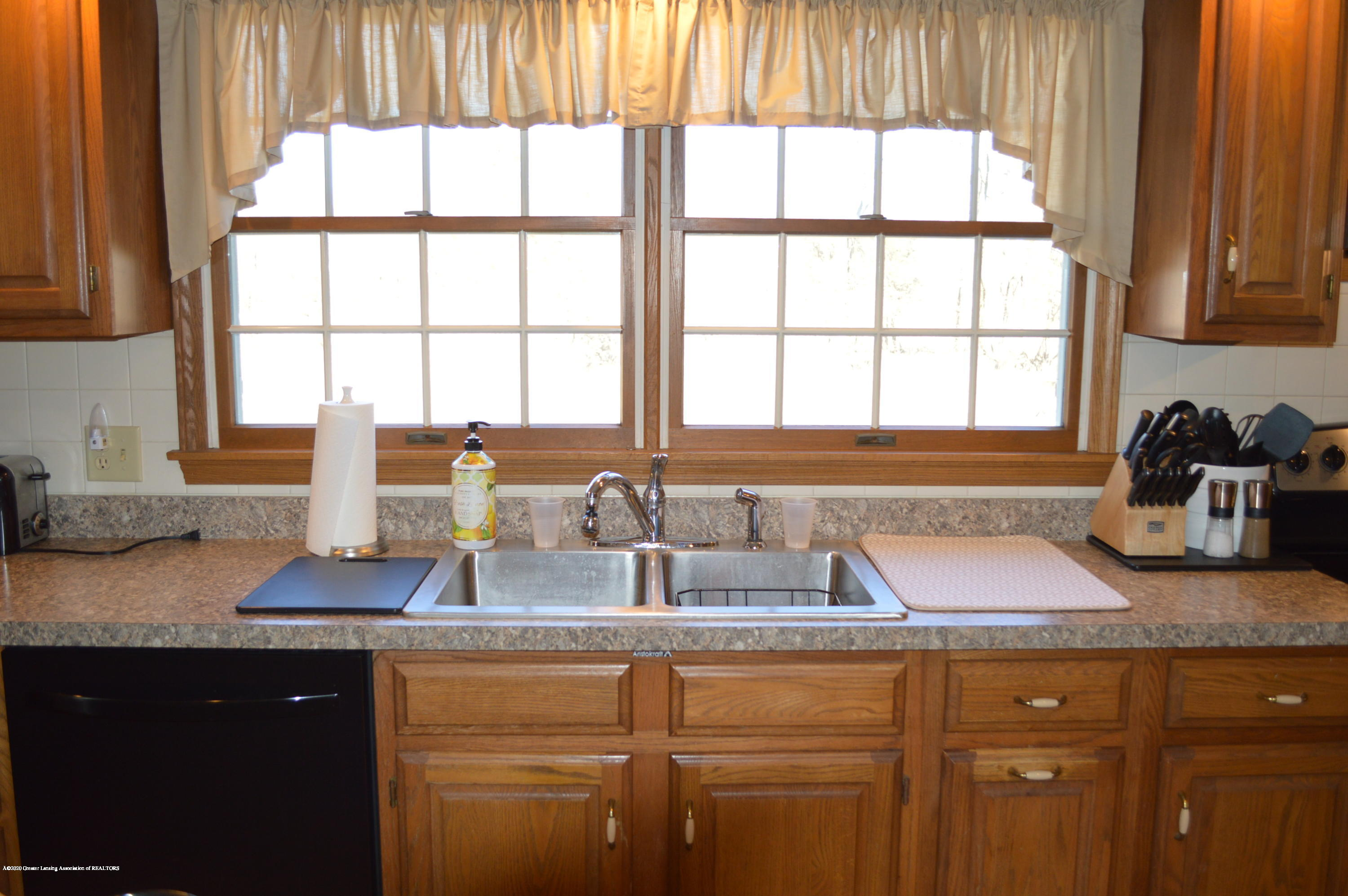 7021 E Howe Rd - Kitchen - 11