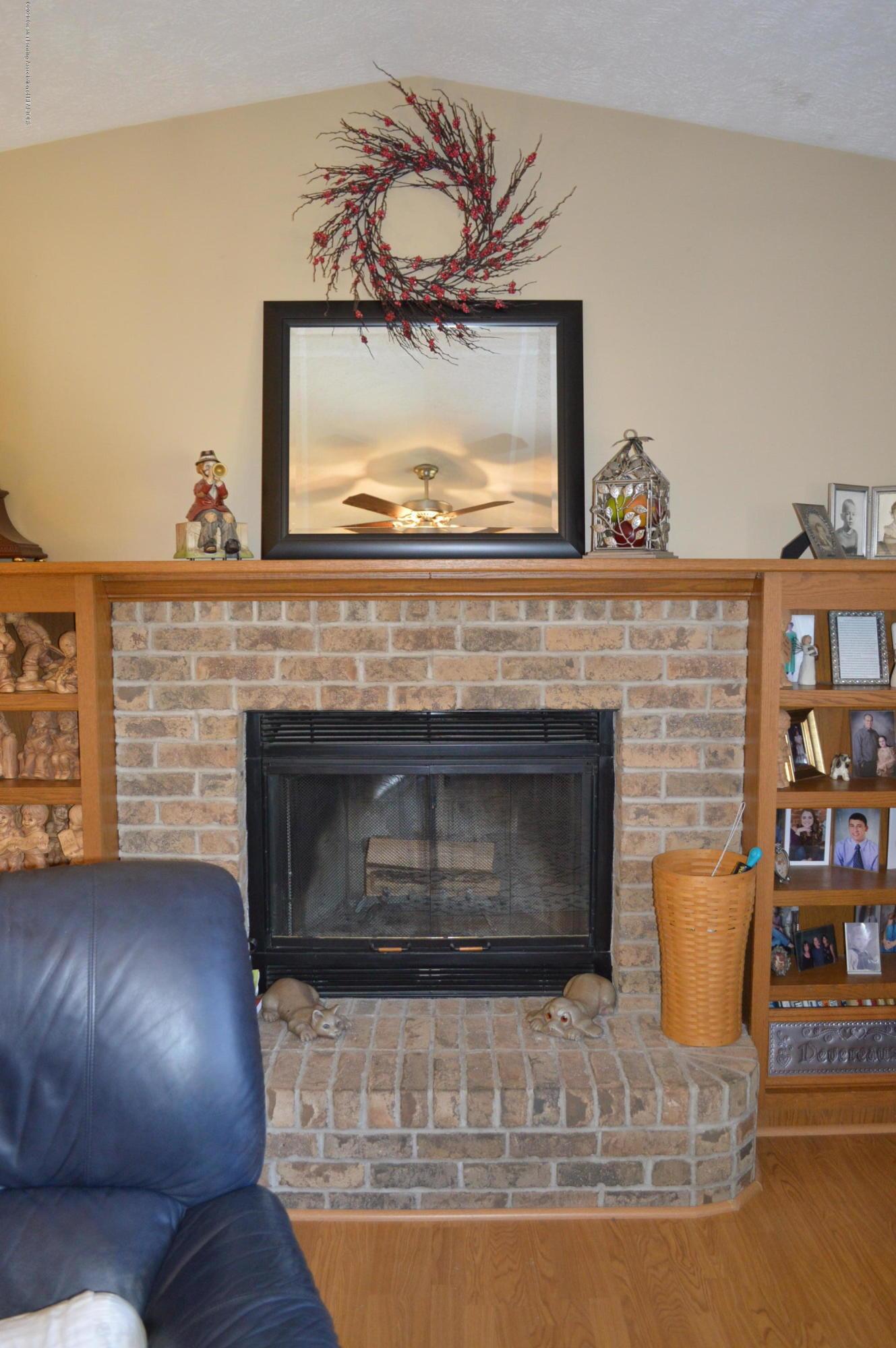 7021 E Howe Rd - Wood burning fireplace - 18