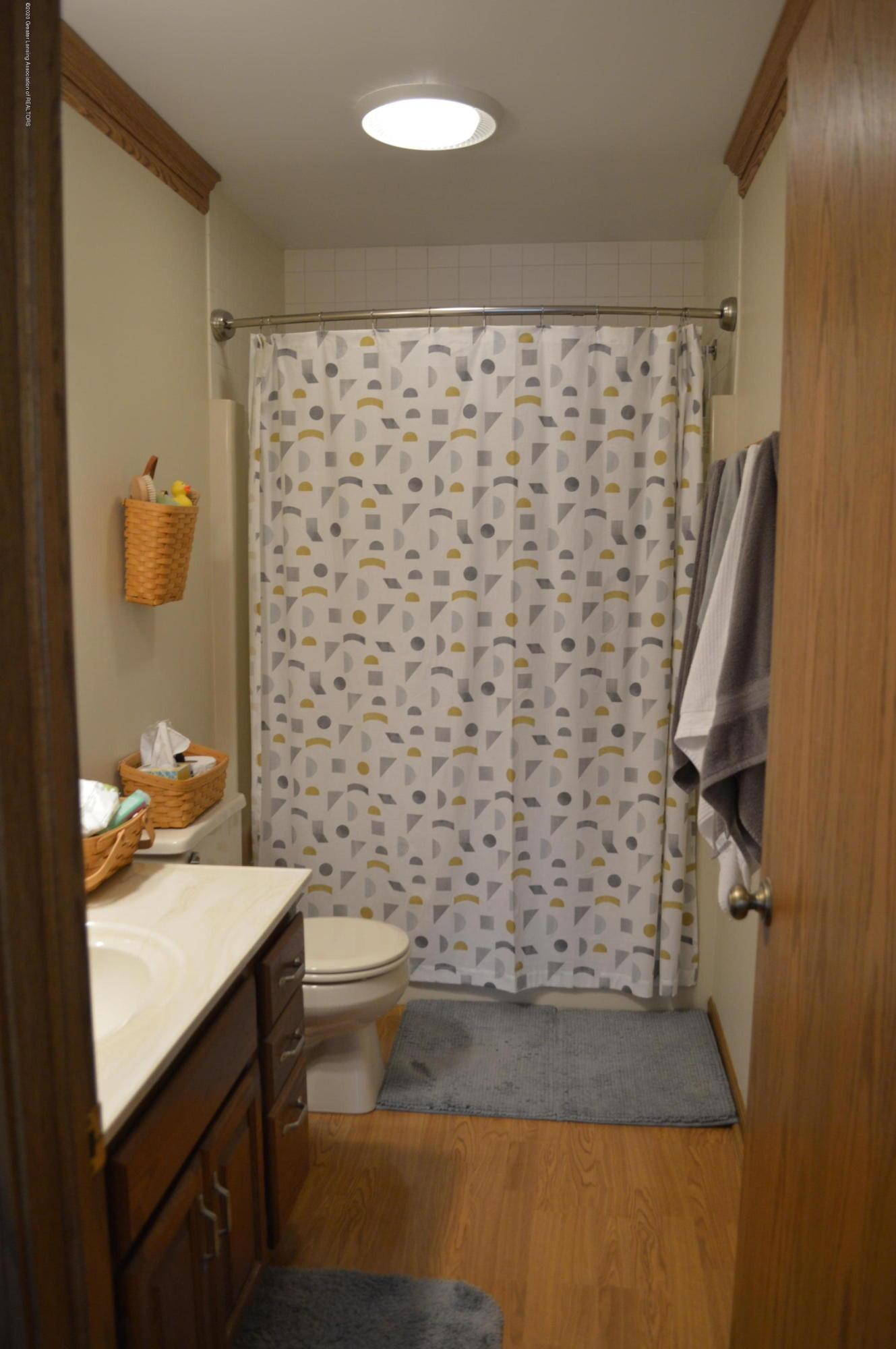7021 E Howe Rd - Master Bath - 23