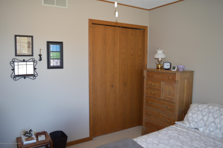 7021 E Howe Rd - Double closet BR 2 - 25