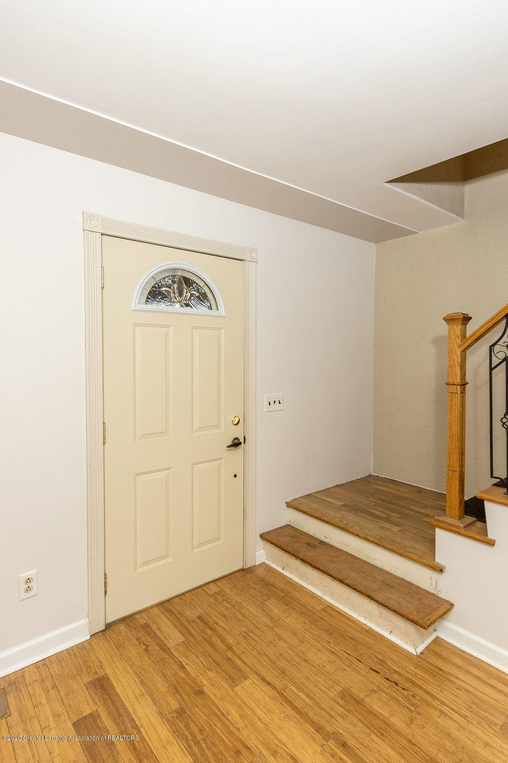 1910 Adelpha Ave - Entry - 7