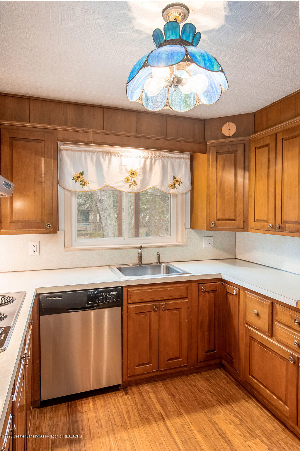 1910 Adelpha Ave - Kitchen - 10