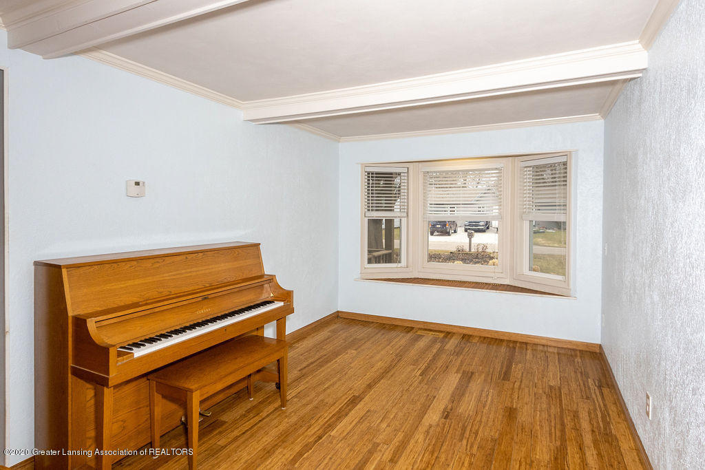 1910 Adelpha Ave - other Room - 25