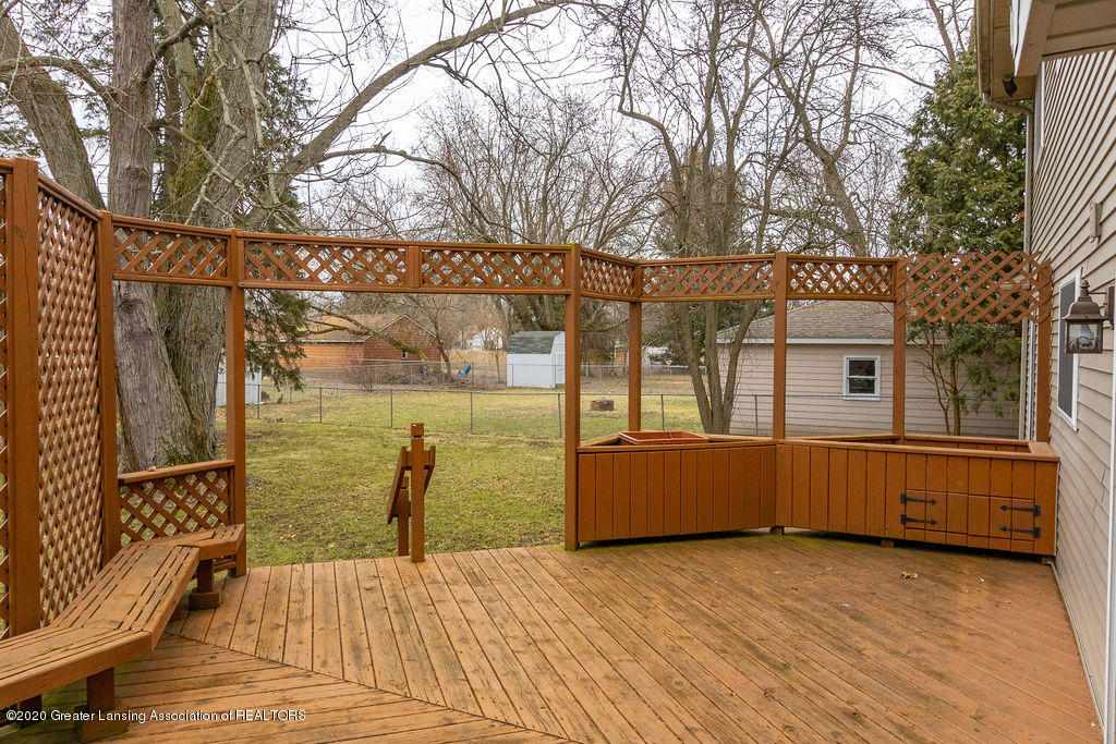 1910 Adelpha Ave - Back Deck - 27