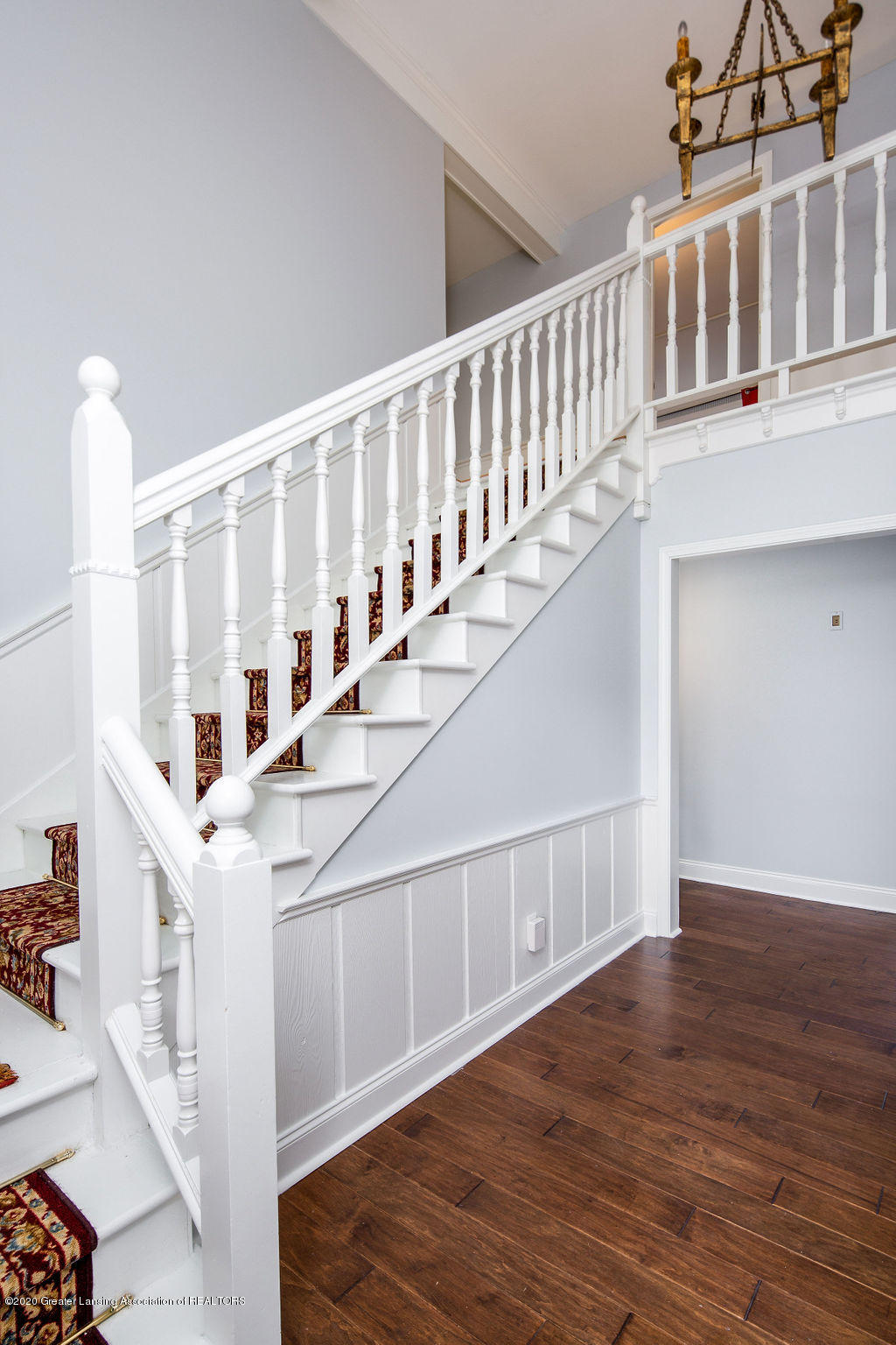 4751 Mohican Ln - STAIRCASE - 5