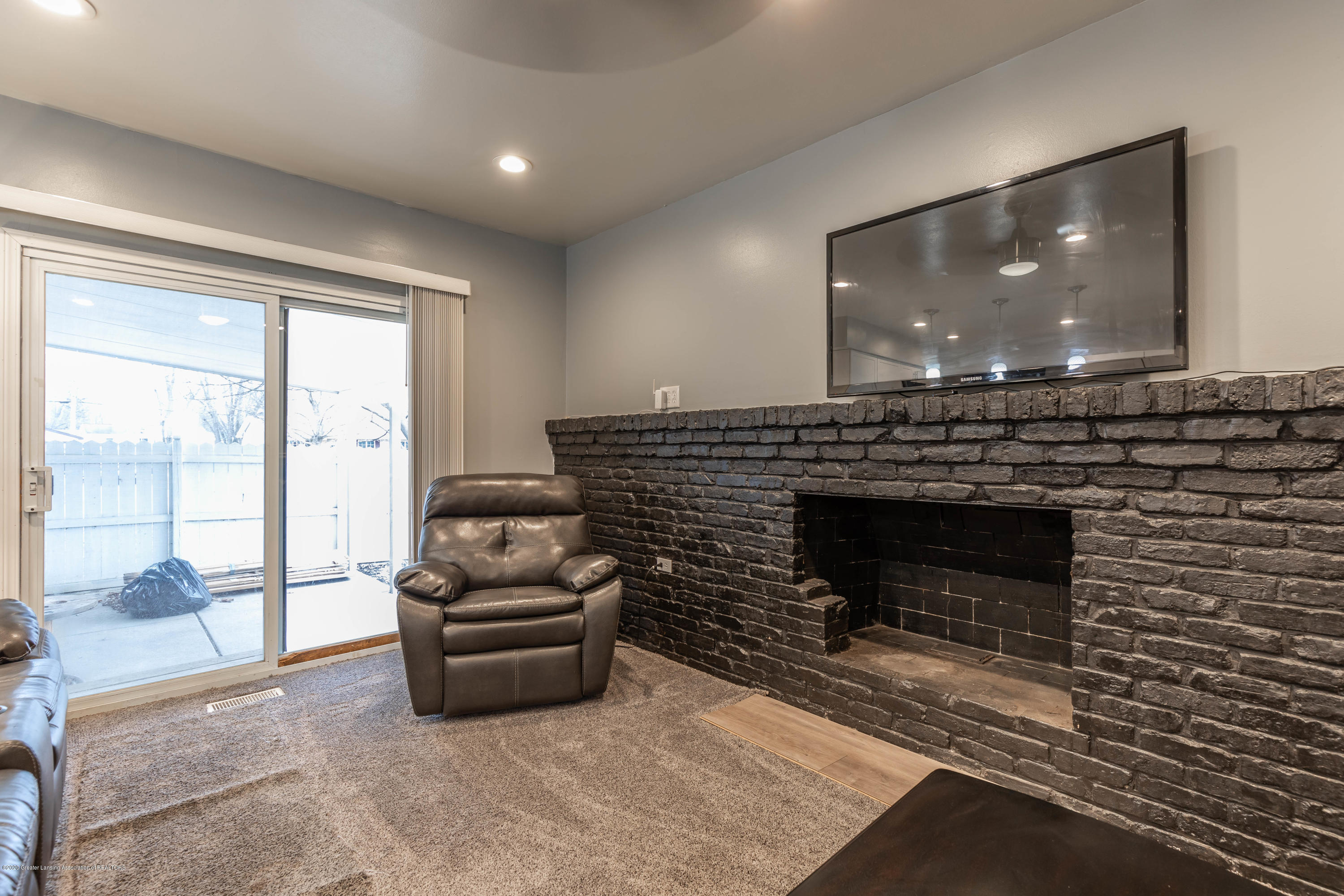 3924 Wedgewood Dr - Family Room - 23