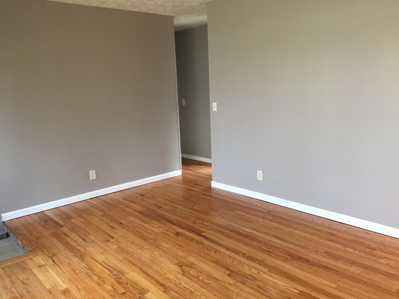4111 Clayborn Rd - 8 Living Hall - 10