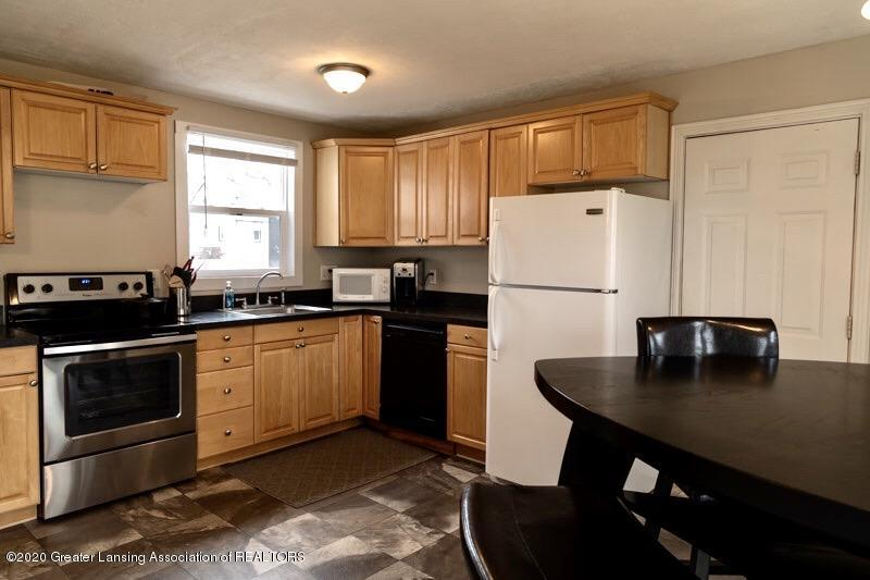 300 S Prospect St - Kitchen 1 - 4
