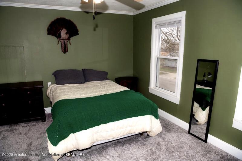 300 S Prospect St - Master Bedroom - 9