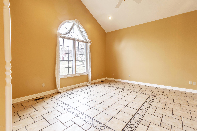 2785 Dunwoody Cir - Living Room - 4