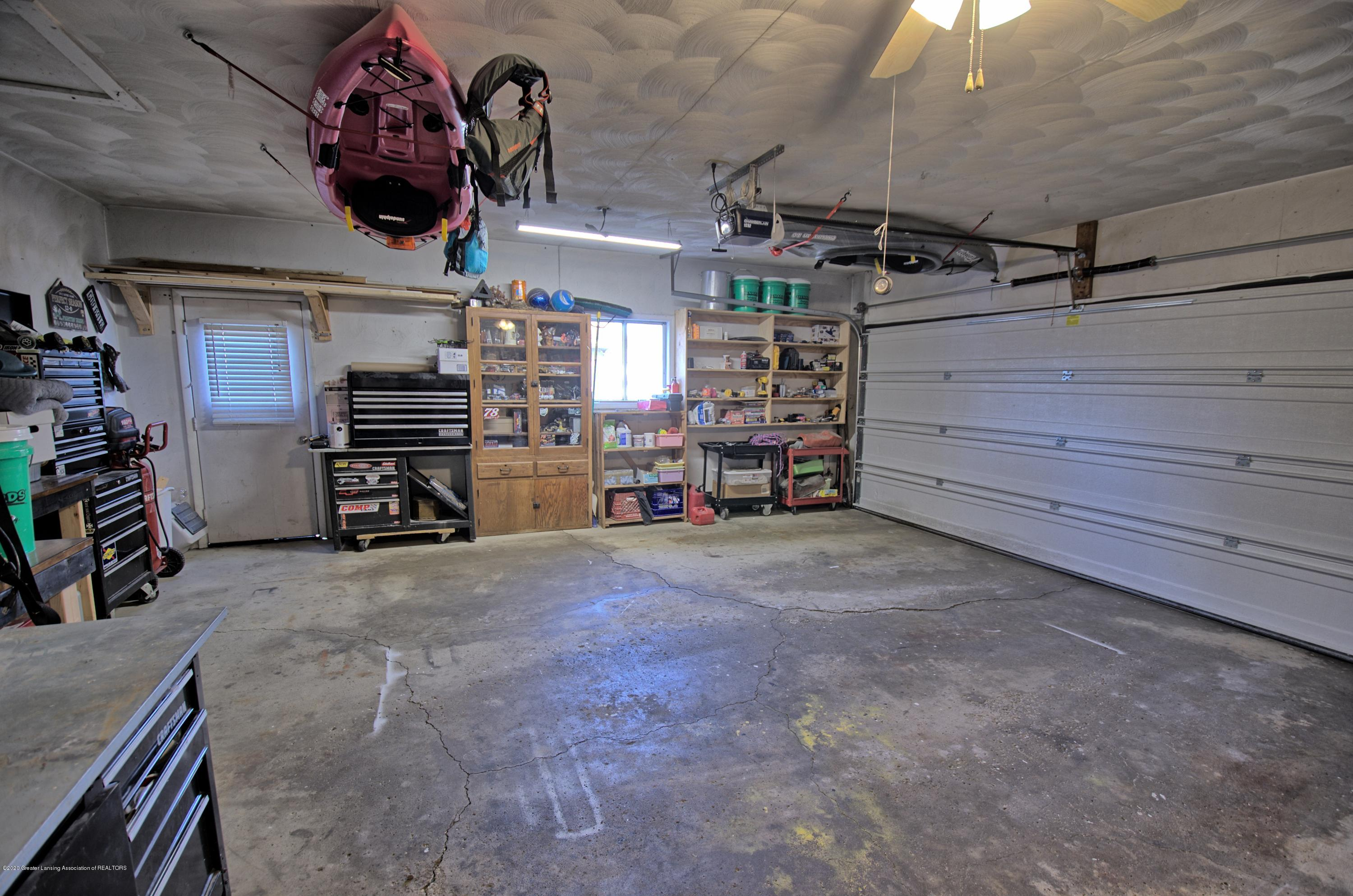 11147 Cobblestone Ln - 2 car garage - 22