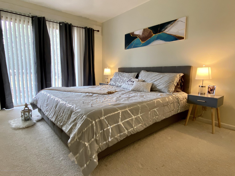 5942 W Sleepy Hollow Ln - Master Bedroom - 10