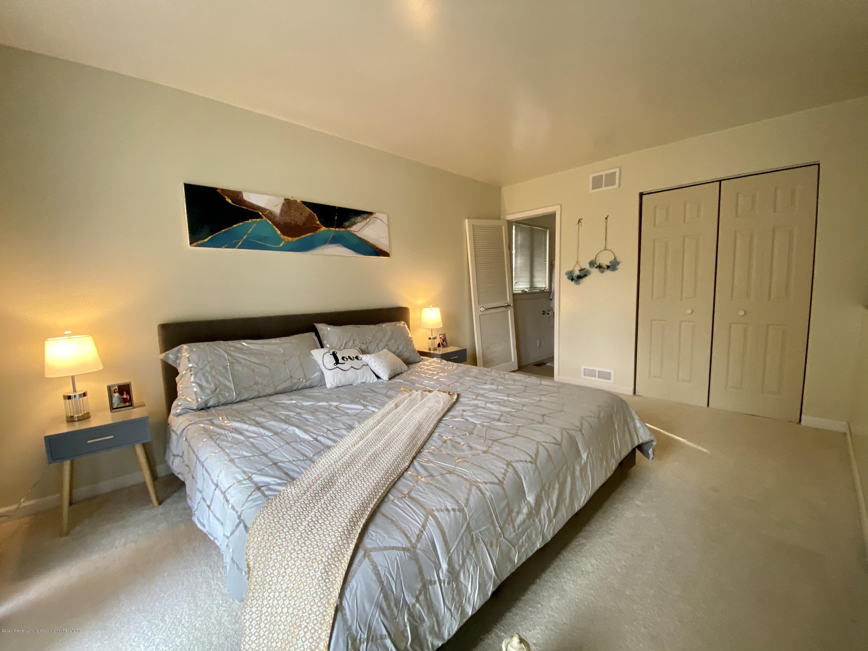 5942 W Sleepy Hollow Ln - Master Bedroom - 11