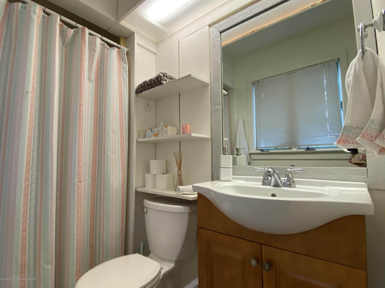 5942 W Sleepy Hollow Ln - Master Bathroom - 12