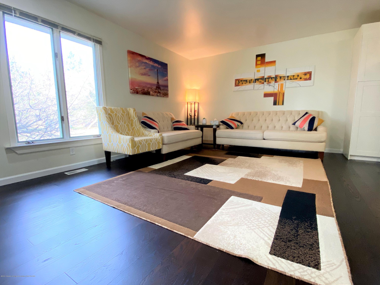5942 W Sleepy Hollow Ln - Living Room - 22