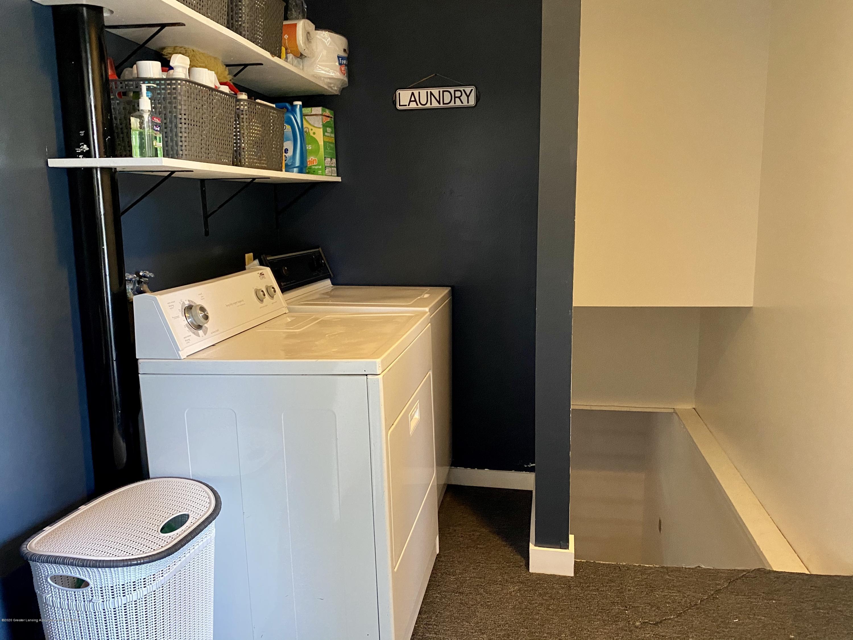 5942 W Sleepy Hollow Ln - 1st Floor Laundry - 30