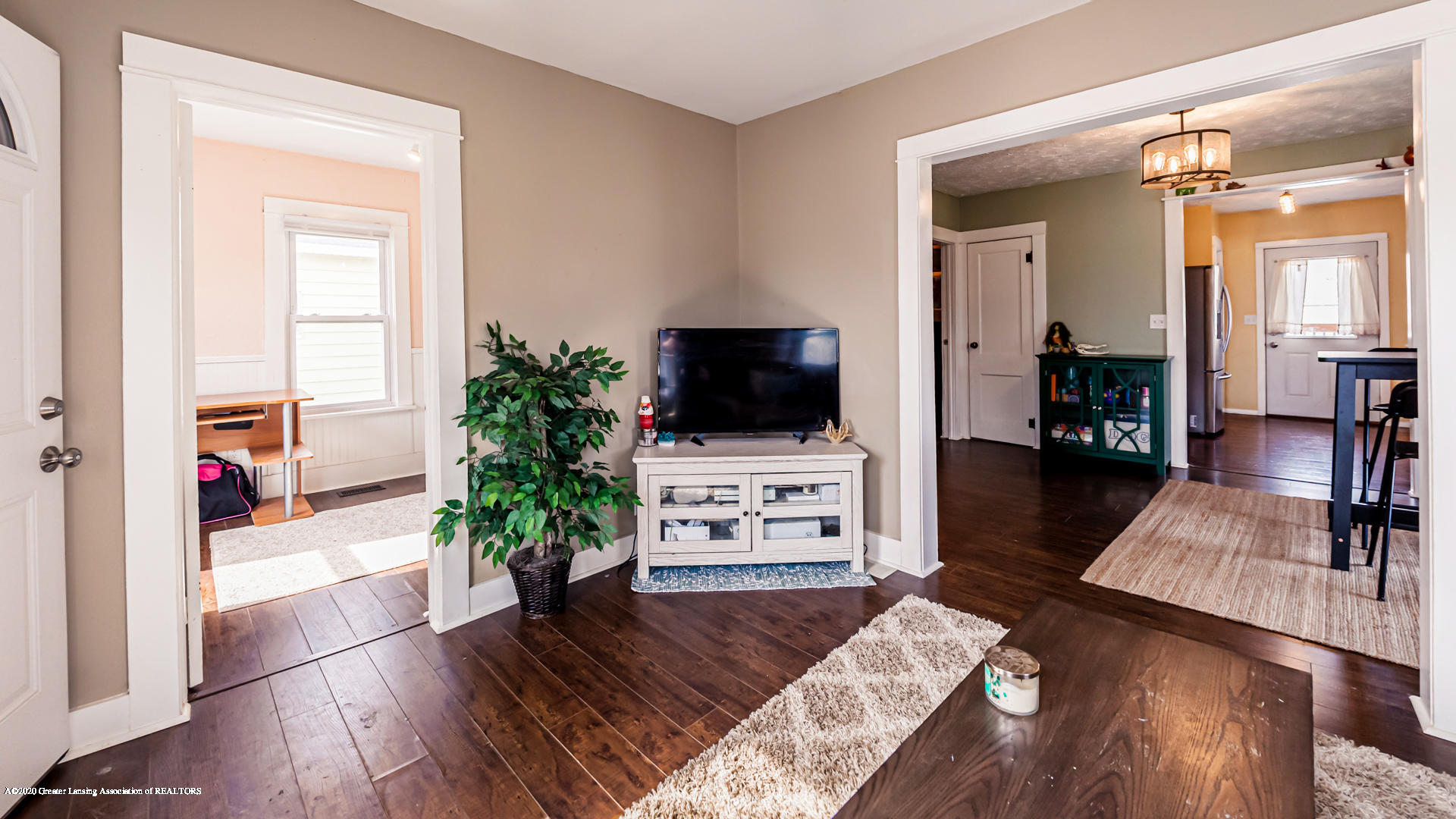 1021 Tisdale Ave - Living Room - 2