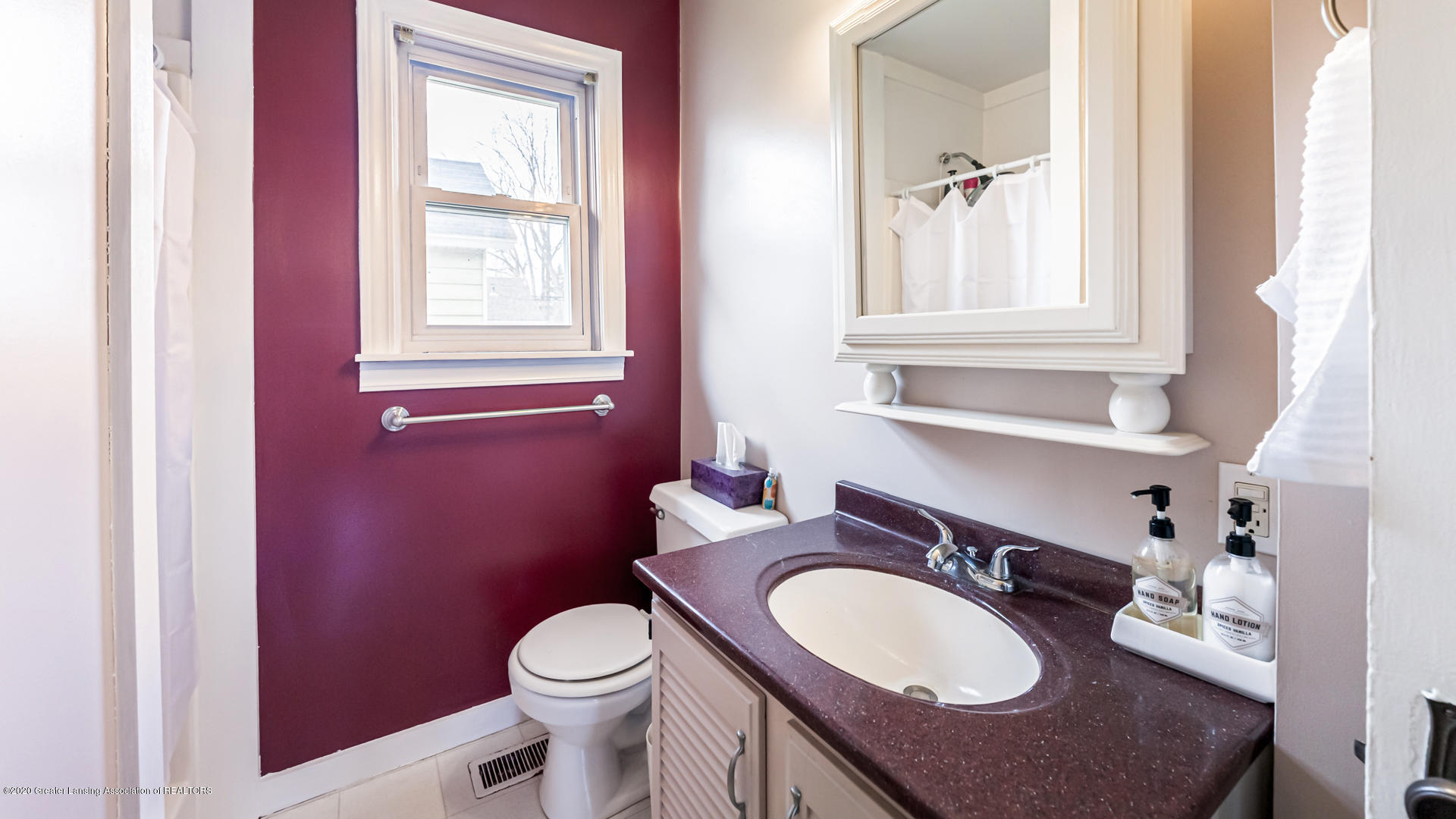1021 Tisdale Ave - Bathroom - 9