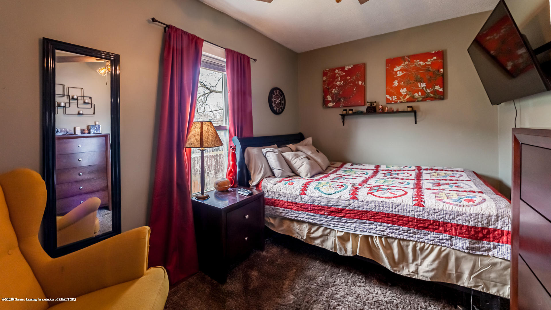1021 Tisdale Ave - Bedroom - 10