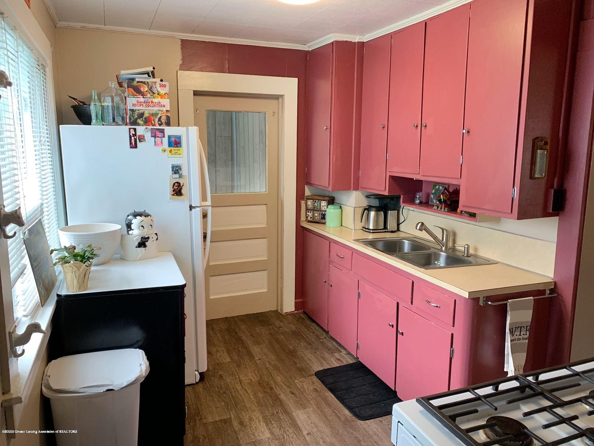 2014 Beal Ave - Kitchen - 11