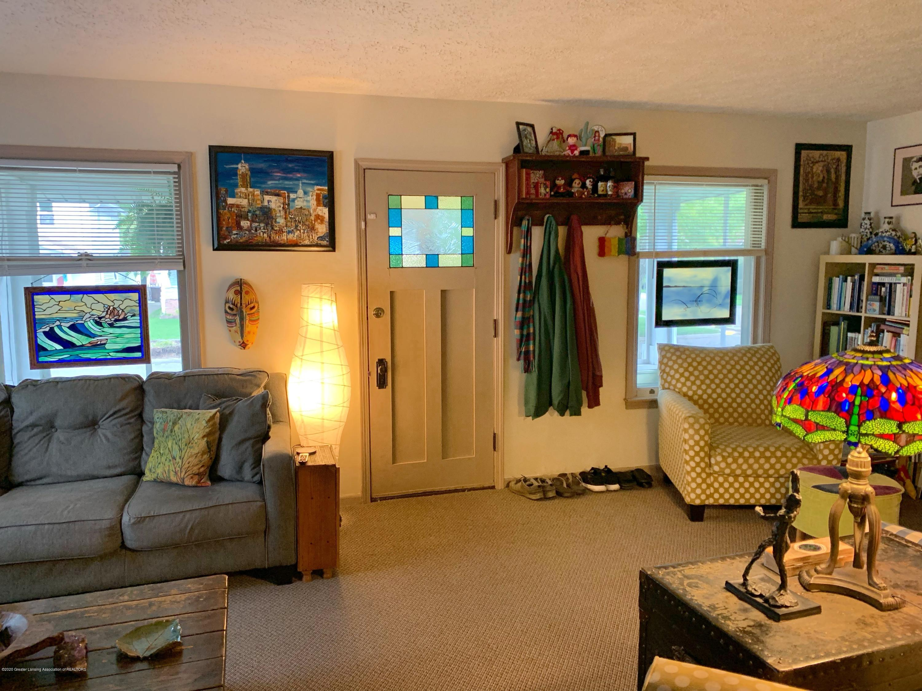 2014 Beal Ave - Living Room - 3