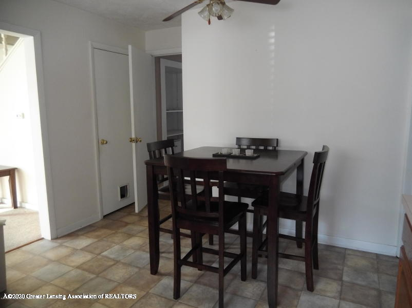 527 E Cavanaugh Rd - Dining Room - 7