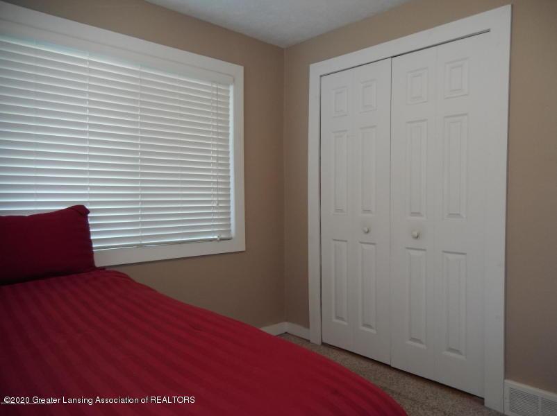 527 E Cavanaugh Rd - Bedroom - 13