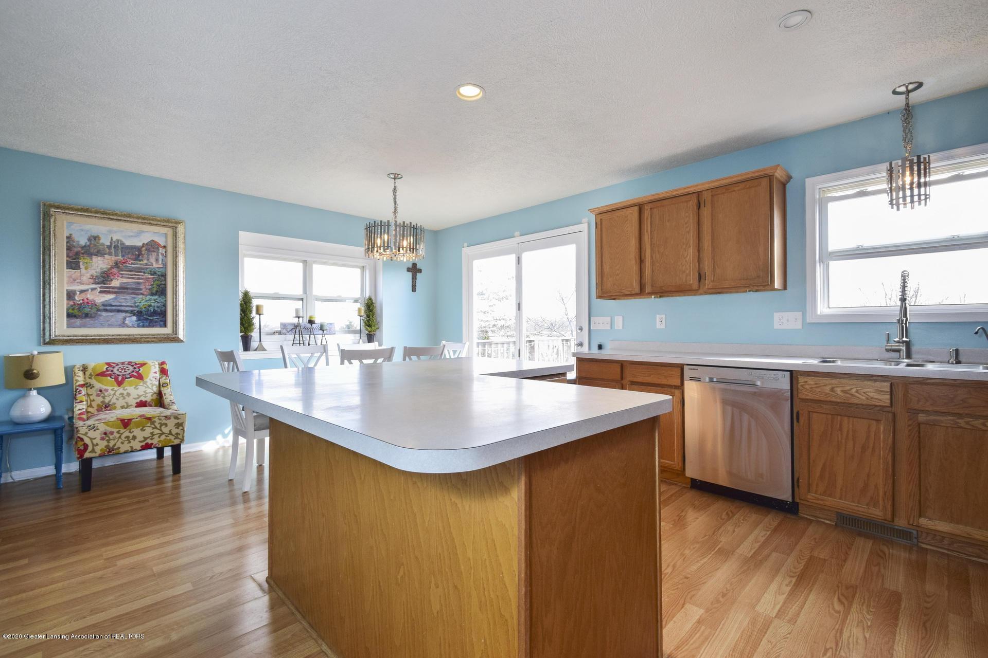 1815 Meghann Ln - 012-photo-kitchen-8140453 - 13