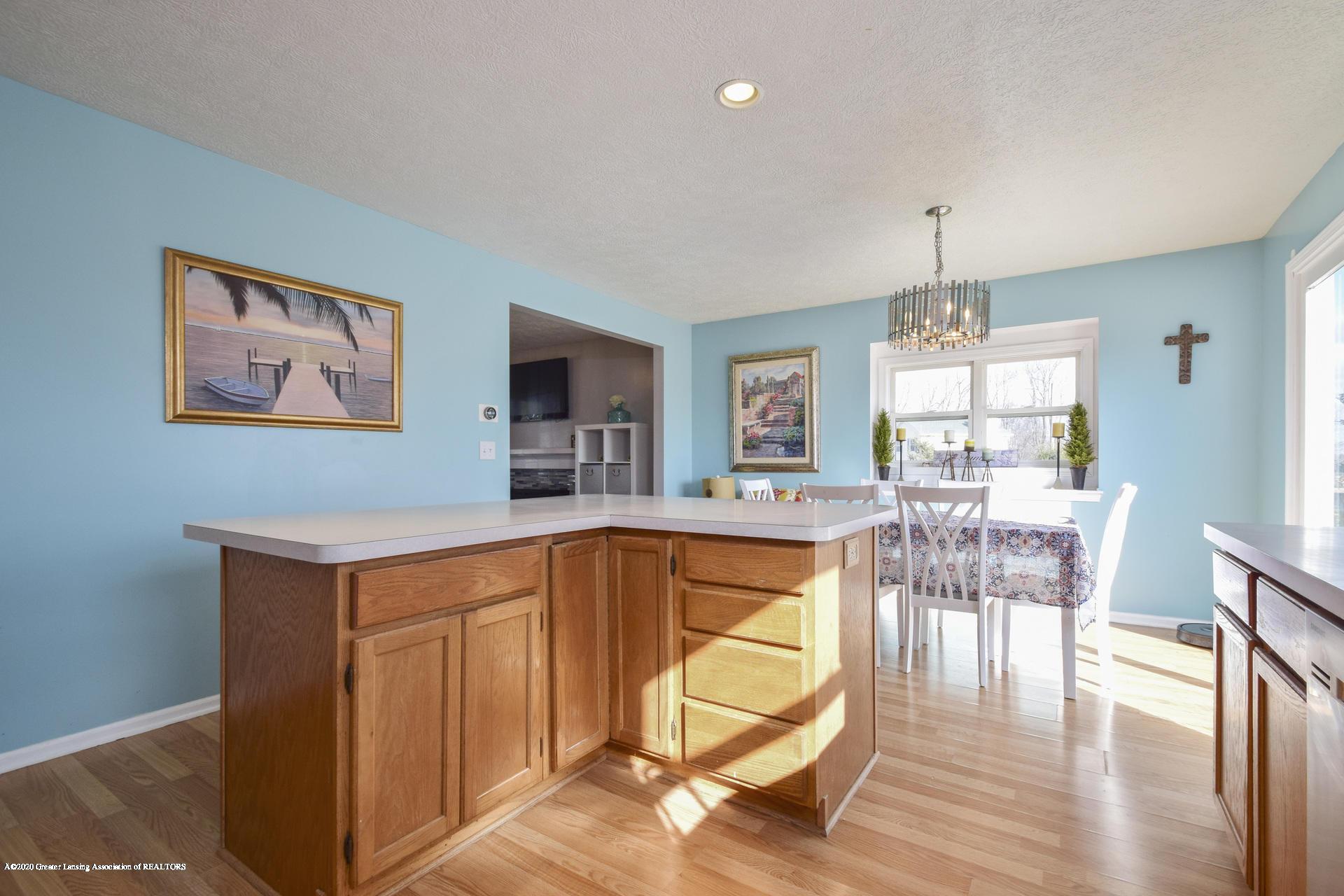 1815 Meghann Ln - 013-photo-kitchen-8140454 - 14