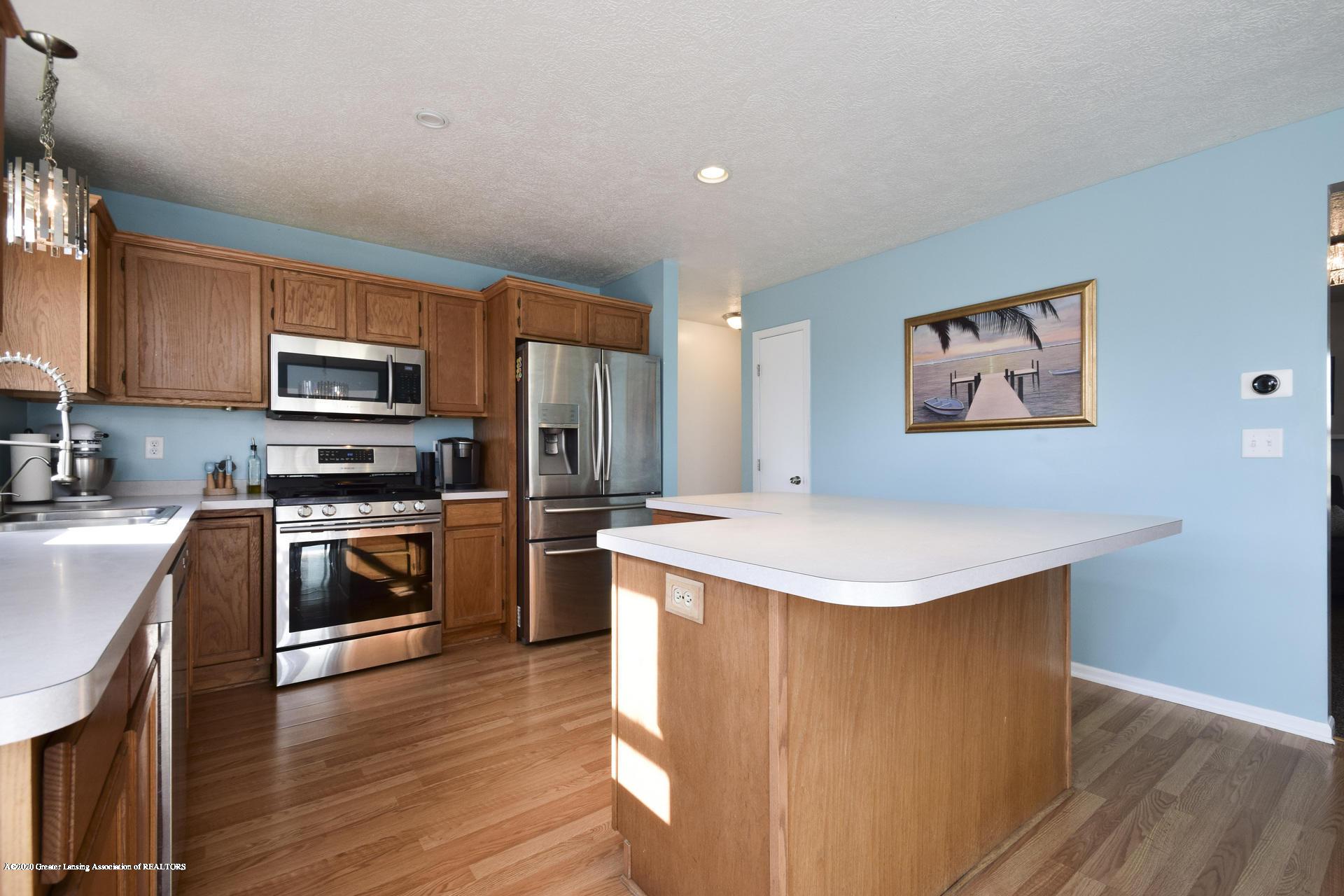 1815 Meghann Ln - 014-photo-kitchen-8140455 - 15