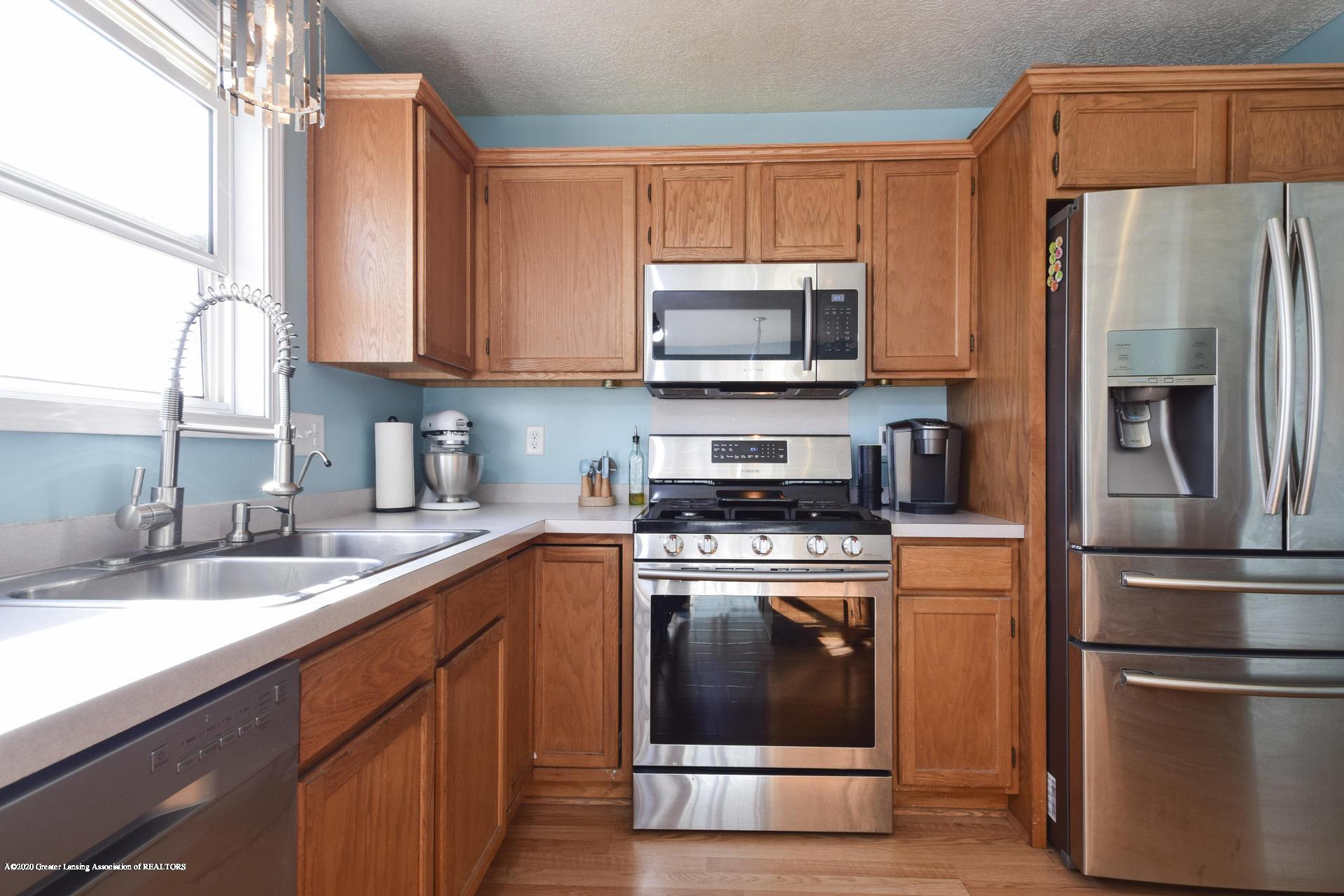1815 Meghann Ln - 015-photo-kitchen-8140456 - 16
