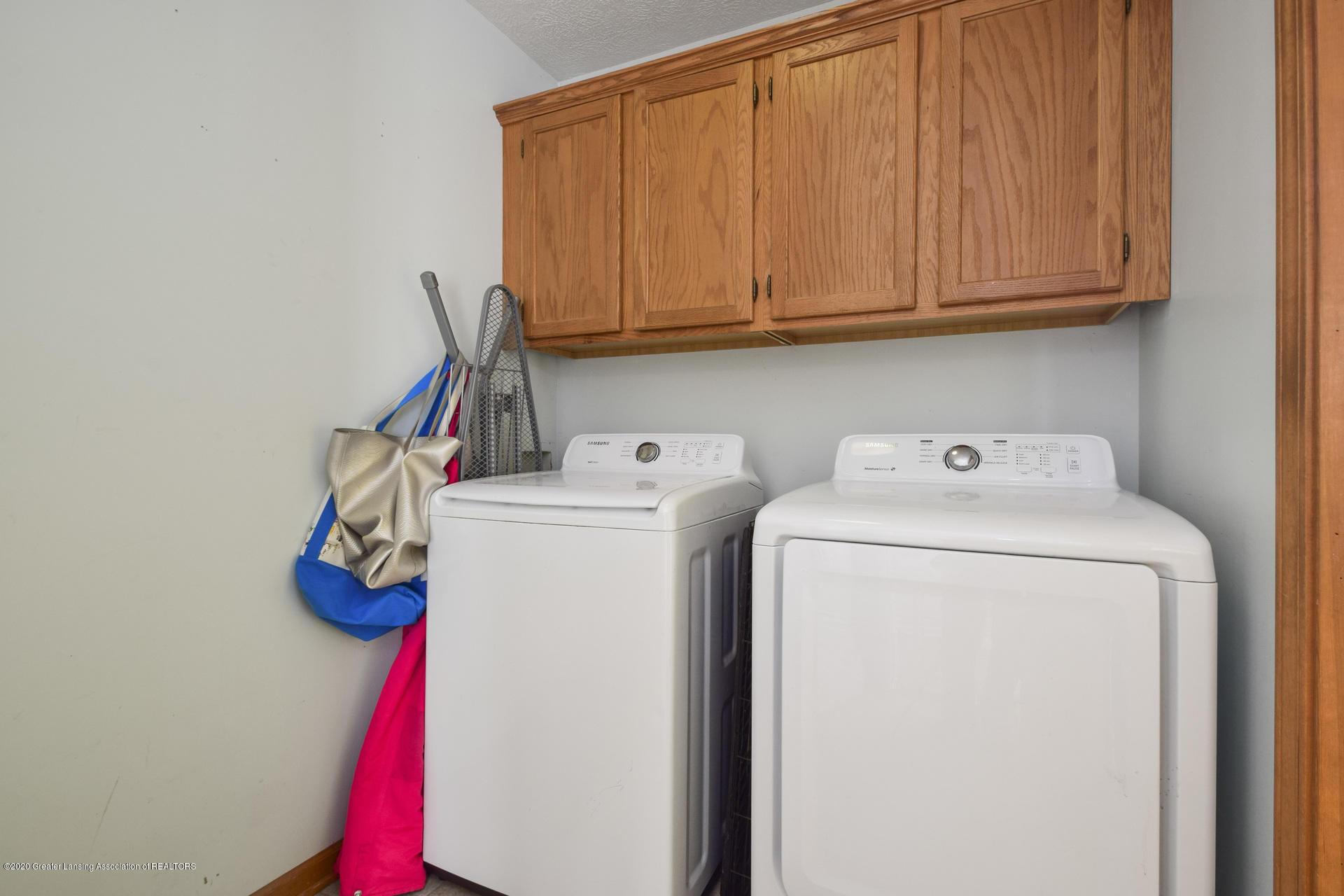 1815 Meghann Ln - 016-photo-laundry-room-8140457 - 17